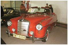 #Mercedes-Benz, 220S/SE Cabrio #Pkw nach 1945 #oldtimer #youngtimer http://www.oldtimer.net/bildergalerie/mercedes-benz-pkw-nach-1945/220s-se-cabrio/1133-01a-100349.html