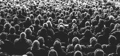 Der Blog ist für viele Unternehmen ein zentraler Baustein der Unternehmenskommunikation. Eine wichtige Herausforderung für jeden Blogger und Content Manager ist es daher, nicht nur gute Inhalte zu produzieren, sondern auch immer wieder neue Leser auf den Blog zu ziehen. Eine der wichtigsten Traffic Quellen sind die Social Media. Eine passgenaue Social Media Strategie hilft dabei, die Netzwerke bestmöglich als Traffic Generator zu nutzen.