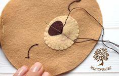 Crochet ideas that you'll love Penny Rug Patterns, Sewing Patterns, Felt Crafts Diy, Felt Hair Clips, Baby Mobile, Felt Baby, Felt Applique, Felt Toys, Felt Christmas
