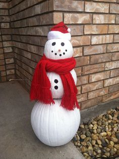 Pumpkin Snowman-now that's Soo Clever and soo much better than discarding pumpkins that haven't gone bad yet- Love this ♥