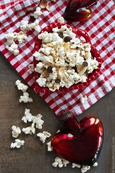 Cookies and Cream Popcorn?! You Need To Try These 18 Unique Recipes NOW