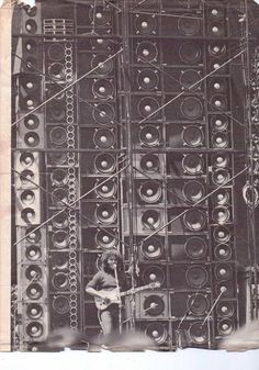The Grateful Dead's Wall of Sound89 300-watt solid-state and three 350-watt vacuum tube amplifiers generating a total of 26,400 watts of audio power. 604 speakers total.586 JBL speakers and 54 Electrovoice tweeters powered by 48 McIntosh MC-2300 Amps (48 X 600 = 28,800 Watts of continuous (RMS) power).