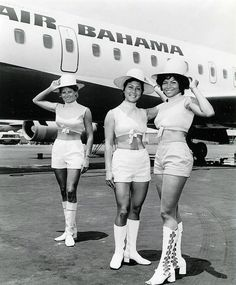 Hotpants girls of years • Galleria immagini retro shorts anni 1970 Airline Travel, Air Travel, Airline Uniforms, Pin Up, Flight Attendant, Hot Pants, 1960s, The Past, Nostalgia