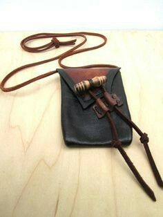 Hand Made Earthtoned Leather Medicine Bag, Natural Leather Bag, Black Leather… Leather Art, Leather Pouch, Leather Purses, Black Leather, Leather Necklace, Leather Jewelry, Medicine Bag, Beaded Bags, Leather Projects