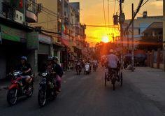 Following the sun  É hora de seguir ao sol.  #followthesun #rumoaosol #pordosol #saigon #vietnam #vietnã #govap