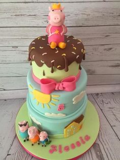 Peppa Pig Cake Ideas : Family Cake by Sweet Cakes