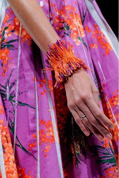~Pink & Orange World~ Red Yellow Turquoise, Orange And Purple, Green And Grey, Orange Color, Color Pop, Orange Outfits, Orange Dress, Purple Fashion, Floral Fashion