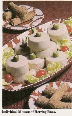 "Fish ""pucks,"" or individual mousse of herring roe. Retro Recipes, Old Recipes, Vintage Recipes, Vintage Food, Ethnic Recipes, Scary Food, Gross Food, Weird Food, Food Fails"
