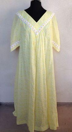 Vintage-Hawaiian-MuuMuu-Long-Dress-Yellow-Eyelet-Lace-Lined-By-Bete-Sz-M