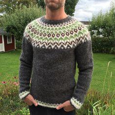 Ravelry: Project Gallery for Riddari pattern by Védís Jónsdóttir for Ístex Left Side Of Body, Norwegian Knitting, Jumpers, Crochet Ideas, Underarm, Ravelry, Knit Crochet, Men Sweater, Pullover