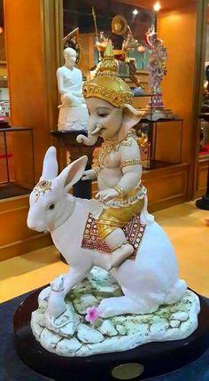 Ganapati on d Rabbit unusual 🙏🏻🌈 Clay Ganesha, Ganesha Art, Lord Shiva Painting, Ganesha Painting, Om Namah Shivaya, Ganesh Lord, Jai Ganesh, Ganesh Bhagwan, Lakshmi Images