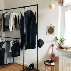 What to wear friday night? Organize your wardrobe with the functional Wild Bill Elliot  from 200€ / credit @tinasosna #rackbuddywildbillelliot #fridaynight #industrial #danishdesign #weekend #clothingrack #kleiderständer #homeinspiration #tøjstativ #fashion #organized #home #wardrobe #wardrobeinspiration #stylish #instagood #interiordesign #happyfriday