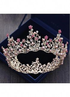 In stock Junoesque Alloy Wedding Tiara With Imitation Pearls - Adasbridal . Hair Jewelry, Wedding Jewelry, Silver Jewelry, Gold Jewellery, Unique Jewelry, Emoji Jewelry, Jewelry Rings, Fine Jewelry, Music Jewelry