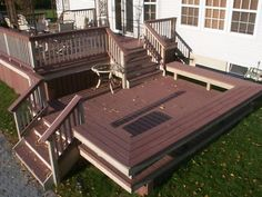 Find multi level decks design ideas to help you design and planning your custom multi level deck & beautify your backyard with this complete guide. Landscaping Around Deck, Pool Landscaping, Patio Deck Designs, Patio Design, Ramp Design, Outdoor Rooms, Outdoor Living, Outdoor Decor, Two Level Deck
