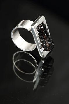 anillo plata/cuarzo fumé by Taller Xalpen photograpjy : pedro sebastian guerrero