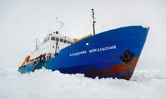 Research ship trapped in Antarctic ice because of weather, not climate change