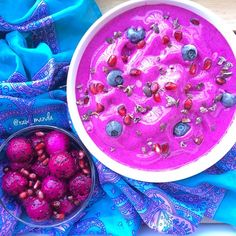 """rawmanda: """"Pink Pitaya (Dragon Fruit) Smoothie Bowl I will never get over the beauty and energy of this fruit. Its a shame some people will never truly experience the magic of the pure vibrant foods..."""