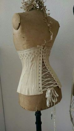 .✿♥♥✿ vintage corset ✿♥♥✿ Antique & vintage historical fashion clothing at Ruby Lane. www.rubylane.com @rubylaneinc