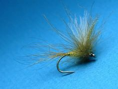 Tying an Irish CDC MayFly with Davie McPhail. - YouTube