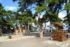 KIZILCAHAMAM -  Çam ormanları, şifalı suları, kekik ve çam balı, modern turistik tesisleri ile başkentin akciğeri. Termal tesisleri ile sağlıklı ve huzurlu bir tatil fırsatı - <br />Ankara - Kızılcahamam arası 80 KM. Hafta Sonları Ankara dan Nerelere Gidilebilir? Ankara, Pergola, Outdoor Structures, Cabin, House Styles, Decor, Cabins, Decorating, Cottage