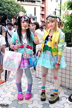 Decora Fashion w/ Little Twin Stars, Doll Head  Eyeballs in Harajuku - http://latestfashionpicks.todayswebgifts.com/decora-fashion-w-little-twin-stars-doll-head-eyeballs-in-harajuku/