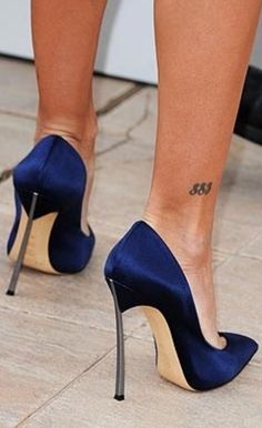 Dangerously HOT navy blue satin high heels. www.missKrizia.com.