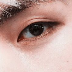 you got the evil into your eyes. V Taehyung, Namjoon, Bts Eyes, Eye Close Up, Bts Drawings, Eye Make Up, Taekook, Bts Wallpaper, Jimin