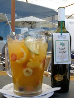 Clerico: Popular fruit punch served in Uruguay