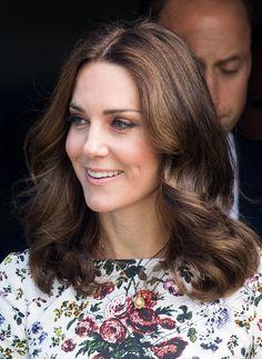 The Duchess of Cambridge's hair evolution Cabelo Kate Middleton, Kate Middleton Jewelry, Princesa Kate Middleton, Prince William And Kate, William Kate, Duke And Duchess, Duchess Of Cambridge, Hair Evolution, Herzogin Von Cambridge