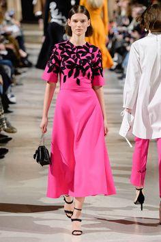 Oscar De La Renta, Otoño/Invierno 2018, New York, Womenswear Women's Runway Fashion, Foto Fashion, Carolina Herrera, Oscars, Elie Saab, I Dress, Beautiful Dresses, Ideias Fashion, Vintage