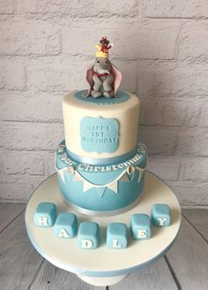 Dumbo christening cake Boys First Birthday Cake, First Birthday Cakes, Dumbo Cake, Cupcake Cakes, Cupcakes, Happy 1st Birthdays, Taylormade, Christening, Heaven