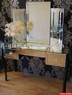 Hand cut and etched shaped Venetian glass mirror frame. - LM1973 ...
