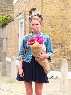 Face Hunter: LONDON - flower & brick lane markets, 06/10/12  I love her headscarf