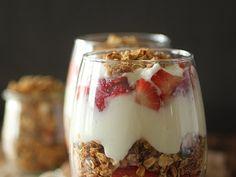 Make-Ahead Strawberry Yogurt Parfaits
