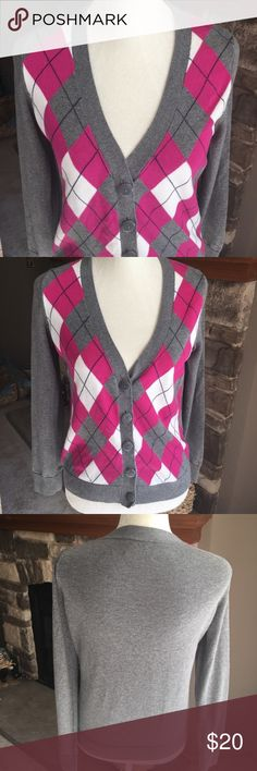 "Tommy Hilfiger argyle sweater Chest laying flat 19"" length 22"". Gray pink and cream Tommy Hilfiger Sweaters Cardigans"