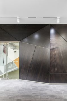 Hoffman Construction Offices - Seattle - Office Snapshots