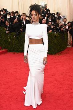 Red carpet del Costume Institute Gala 2014: Rihanna en Stella McCartney