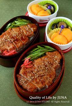 Grilled-Pork-on-Rice Bento ポークステーキ弁当