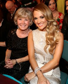 Carrie Underwood brought her mom, Carol to the 2014 ACM Awards.