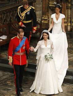 Look at Kate Middleton's Wedding Dress From Every Angle: Photo credit: Getty Images