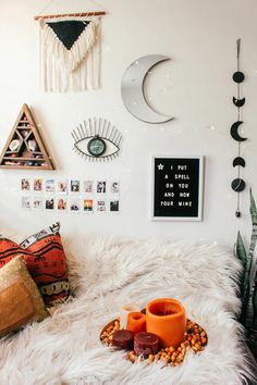 16 may 56 bohemian minimalist bedroom ideas with urban outfiters Witch Room, Cute Room Decor, Boho Room, Aesthetic Room Decor, Witch Aesthetic, Minimalist Bedroom, Minimalist Living, Dream Rooms, Luxurious Bedrooms
