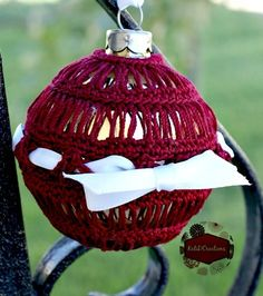 Broomstick Lace Crochet Ornament - Give the gift of a homemade crochet ornament this year. This fabulous crochet pattern is a beauty and will look great on any tree.