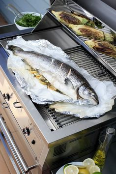How to Grill a Whole Fish in 6 Easy Steps Rockfish Recipes, Walleye Fish Recipes, Grilled Fish Recipes, Seafood Recipes, Diet Recipes, Grill Fish In Foil, Fish In Foil Packets, How To Grill Fish, Cooking