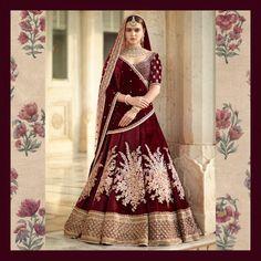 Find top trending and unique Sabyasachi Lehenga Designs for your dream bridal look. Best bridal lehenga designs by Sabyasachi for 2020 weddings. Wedding Lehnga, Indian Bridal Lehenga, Indian Bridal Outfits, Indian Bridal Fashion, Indian Bridal Wear, Indian Dresses, Sabyasachi Lehenga Bridal, Lehenga Dupatta, Bridal Sari