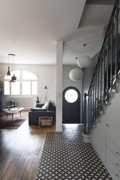Fusion D - Renovation of an Art Deco house Bordeaux center - Art Deco Living Room, Living Room Modern, Living Rooms, Door Design, House Design, Design Art, Window Design, Casa Art Deco, Stairs Architecture