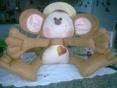Este macaco tem 50cm de altura...peguei o molde numa revista...