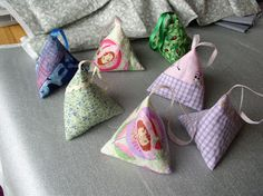 Little pyramid lavender sachets...cute and easy to make