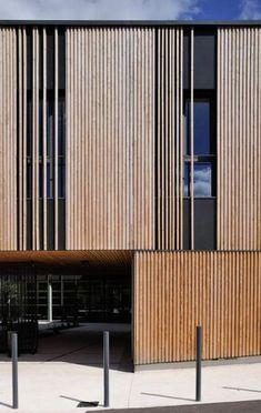 Gallery of Social Center in Aubenas / Composite Architectes – 3 Social Center in Aubenas,© Studio Erick Saillet Wood Cladding Exterior, Timber Cladding, Design Exterior, Facade Design, Cladding Design, Timber Architecture, Architecture Design, Architecture Definition, Wooden Facade