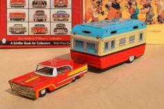 #Antique Tin Toy# Kyowei Lincoln House Trailer Car Japan SSS Caravan BAndai Alps
