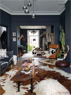 Dark Living Rooms, Boho Living Room, Home And Living, Dark Green Living Room, Dark Rooms, Masculine Living Rooms, Cow Hide Rug Living Room, Masculine Office Decor, Black Sofa Living Room Decor